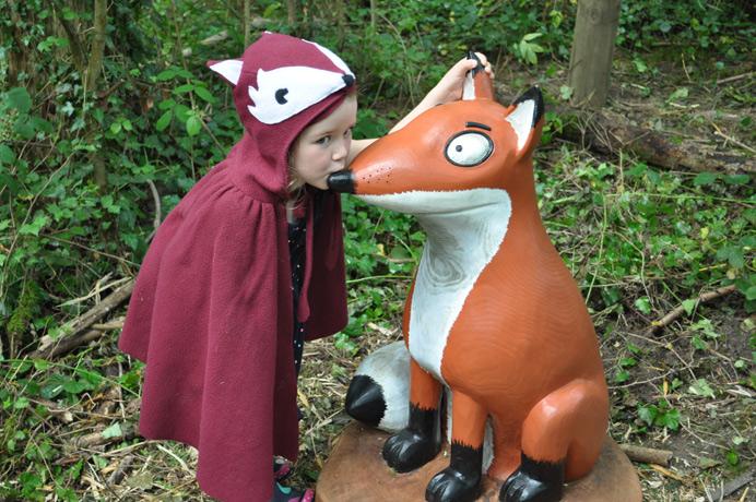Gruffalo trail at Horsenden Hill - little girl meets the fox