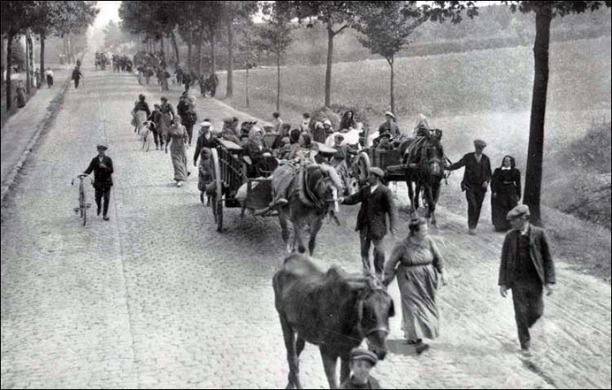 Fleeing Belgian refugees 1914