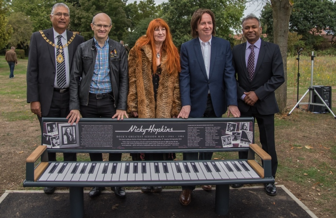 Memorial for keyboard player Nicky Hopkins