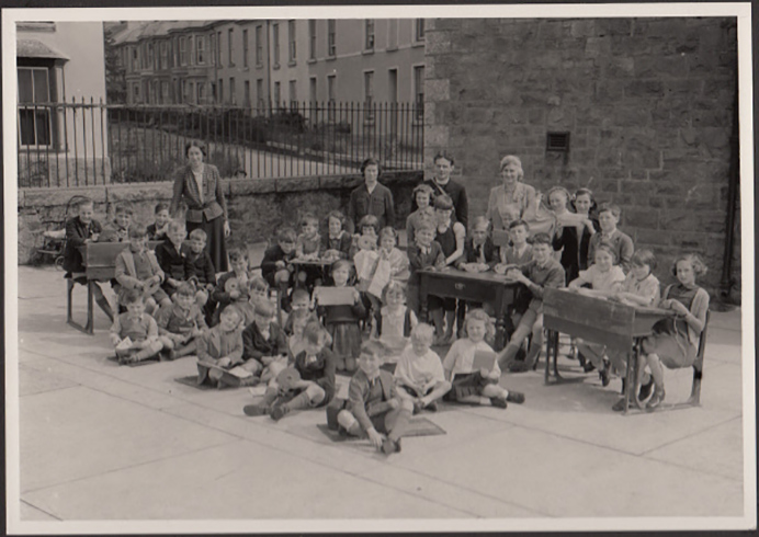 Children after evacuation from London in the Second World War