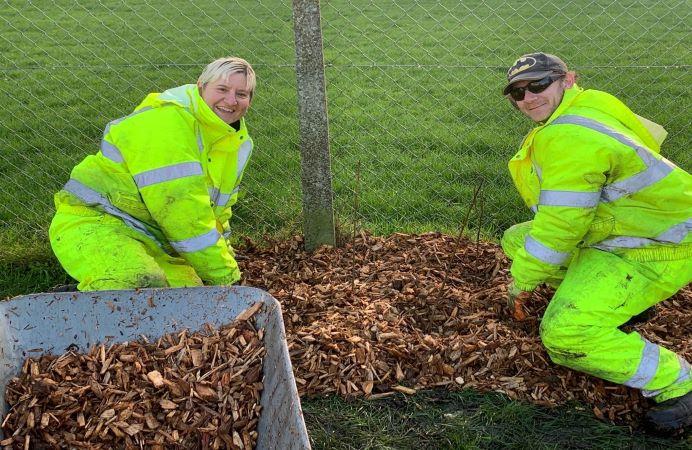 GEL volunteers helping with local garden project